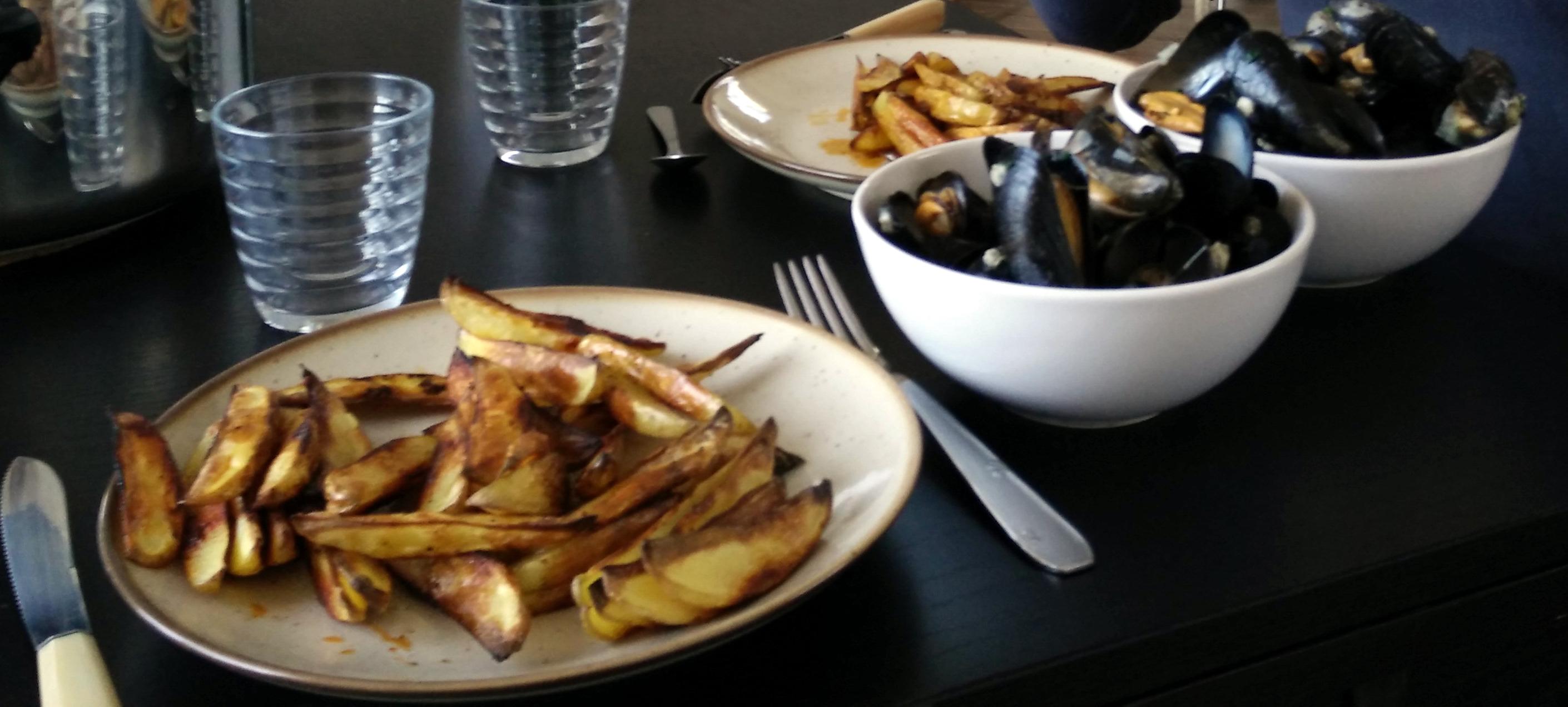Moules au vin blanc, frites au four (30 minutes)